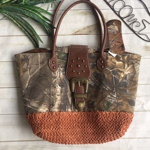 Real tree camp purse 😀 NWT